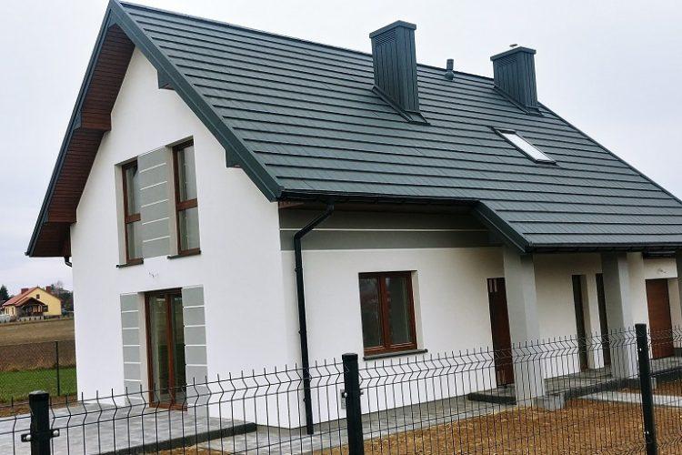 """Zakończenie pierwszego z domów w ramach inwestycji """"Domy kameralne""""."""